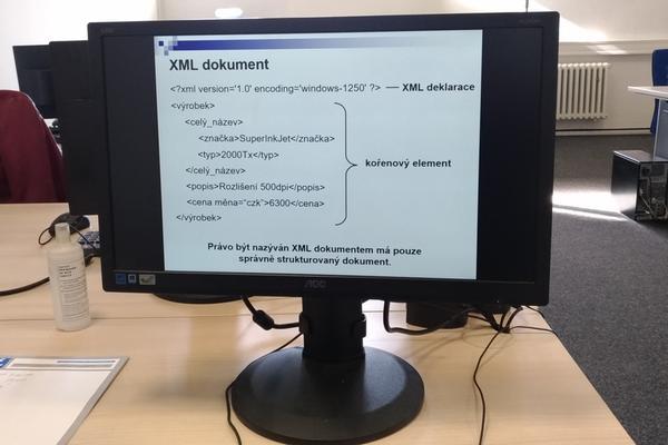 Výuka základů jazyka XML v kurzu společnosti PC-Dir